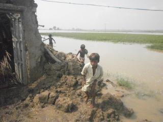 Children in the flooded area.